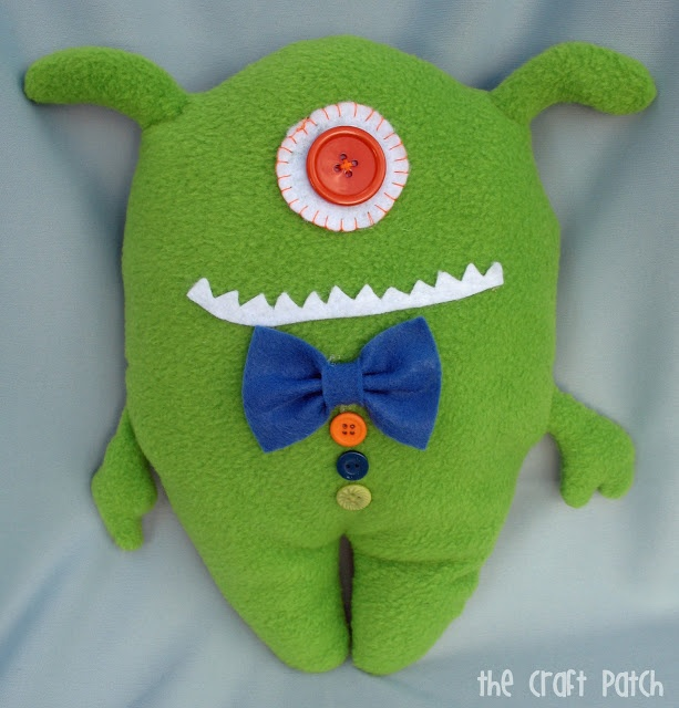 i remember making these!!! my teacher really loved these little guys and showed us how to make these.