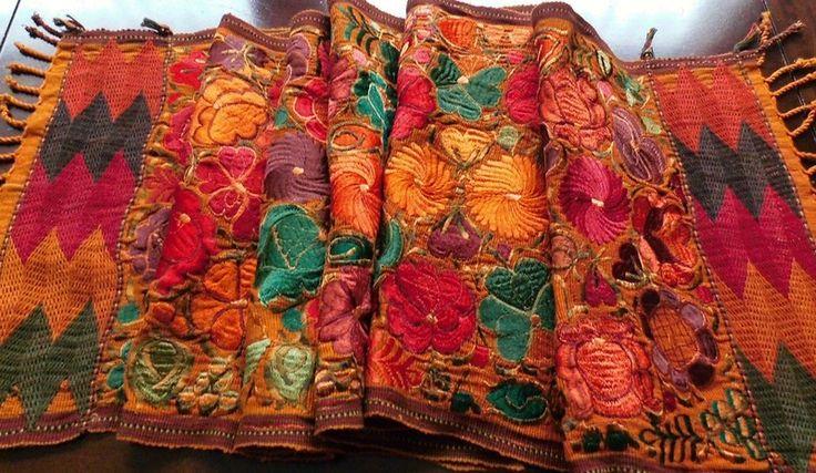 XXL TischläuferAUTUMN FLOWERbestickt Guatemala von santa-fee via dawanda.com