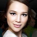 Met deze geweldige app kun je goed testen hoe je eruit ziet met ander haar en make-up.