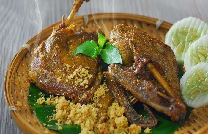 Cara membuat Bebek Goreng Kremes, untuk lihat resep dan cara mudah nya silahkan klik, kuliner-ilmci.com