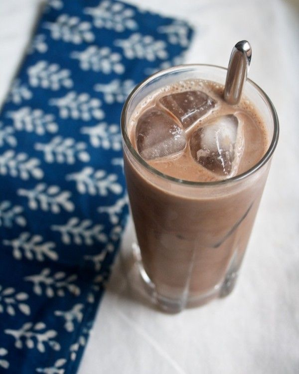 Mocha Choco Loco - a cool, caffeinated chocolate-y drink for summer afternoons #sensationalsides
