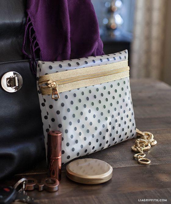 DIY: vinyl and gold zipper make up bag