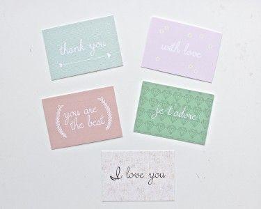 Set van 5 mini kaarten. Leuk om bij een cadeautje te doen, maar ook als gift tag. Daarom krijg je er ook bakkerstouw bij.