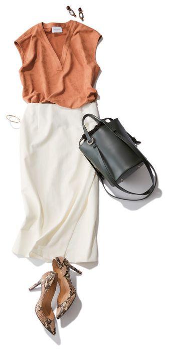 白いタイトスカートの定番通勤コーデ