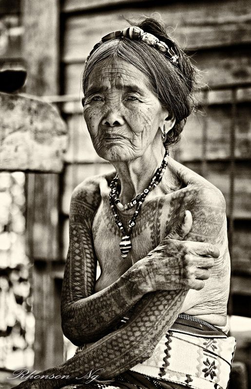 Westerners Travel From All Over The World To Get A Tattoo From This 92-Year-Old Woman