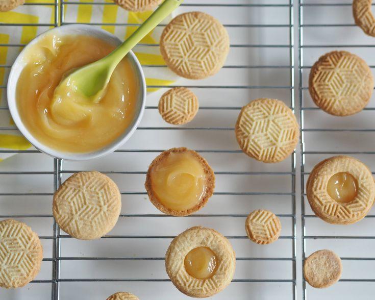lemon cookies with lemon curd filling by www.fresshion.com