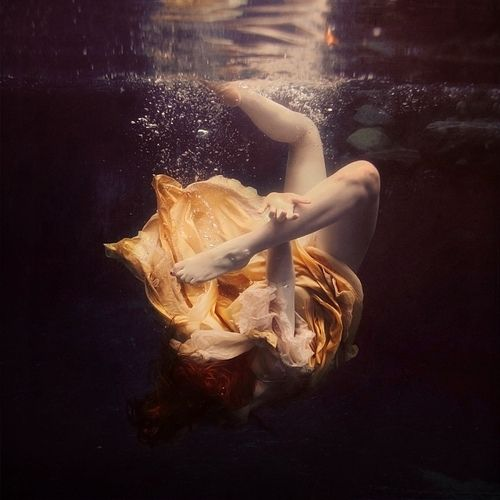 What a beautiful piece of photography by Brooke Shaden... The inspiration form Toni Frissell, one of the foremost American female photographers, is quite beautifully evident