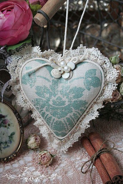 Подвески ручной работы. Ярмарка Мастеров - ручная работа Текстильные сердечка. Handmade.