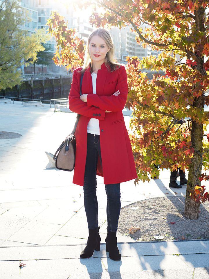Absolut im Trend sind diesen Herbst klassische Rot-Töne. Ob roter Lippenstift, roter Mantel, rote Schuhe - hier sind euch keine Grenzen gesetzt. Wie ich meinen Look von Mango kombiniert habt, könnt ihr auf meinem Blog carolionk.com sehen ;)