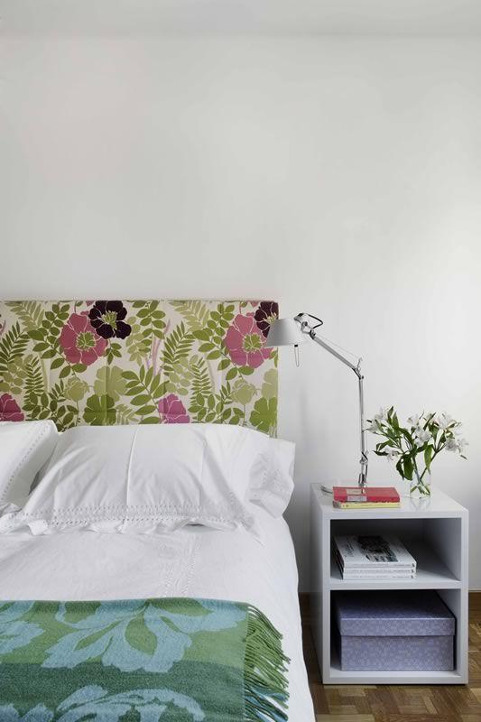 Un #dormitorio sencillo pero bonito, con un precioso cabecero tapizado con…