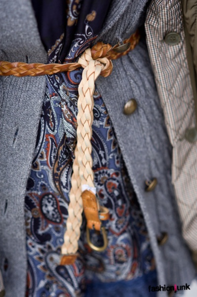 belt tied in a knot: Paisley Pattern, Fashion Style, Clothing, Street Style, Belts Ties, Grey Sweaters, Knots, Accessories, Leather Belts