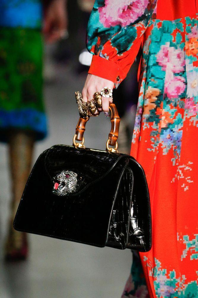 Gucci Otoño Invierno 2017 2018 bolsos anillos zapatos sombreros   Pradahandbags 2de3983e302