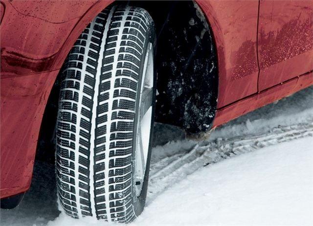 Sürücülerin kış lastiği ile bilinçli olarak araç kullanmalarını sağlamak toplumun trafikte can ve mal güvenliğini sağlamak adına oldukça önemlidir. Bu nedenle her sürücü aracını çok iyi tanımalı ve hangi şartlarda neler yapılması gerektiğini bilmesi gerekmektedir. Bilinmesi gereken başlıca kurallardan birisi de hangi mevsimde hangi lastiğin kullanılması gerektiğidir. Kış ayı geldiğinde hemen kış lastiği taktırılmalı dır.