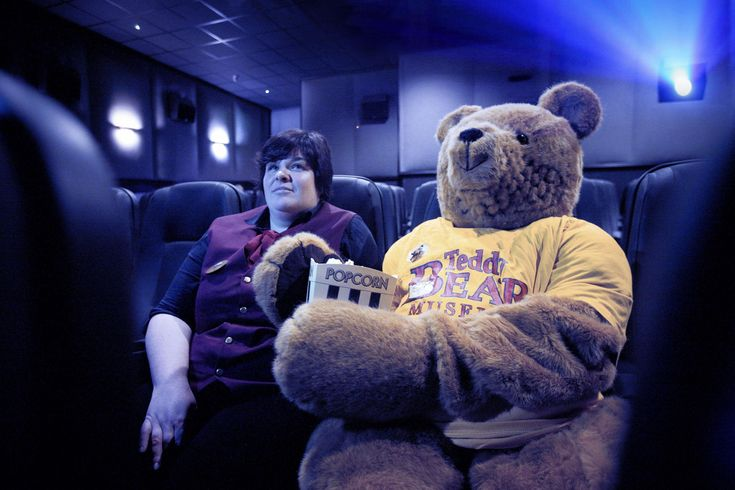The Teddy Bear Museum's resident human-sized bear enjoys a special screening of Paddington Bear 2 | Dorset Echo