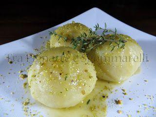 Le mie ricette - Gnocco con cuore di gamberoni, con pistacchi e fondo di burro e gamberoni | Tra Pignatte e Sgommarelli