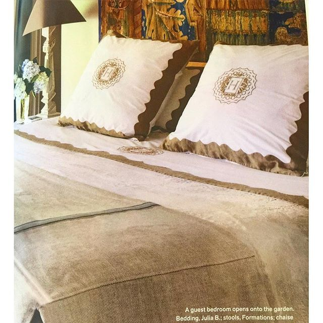 """@verandamag @sotre @annbholden Thank you! Paris bedding chocolate brown hand applique with A6 medallion in H."" Photo taken by @juliabcouturelinens on Instagram, pinned via the InstaPin iOS App! http://www.instapinapp.com (03/11/2016)"