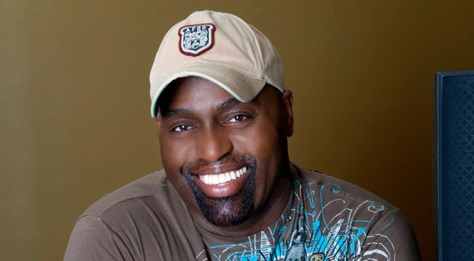 Raise a glass to Frankie Knuckles with The Warehouse Top 50 playlist