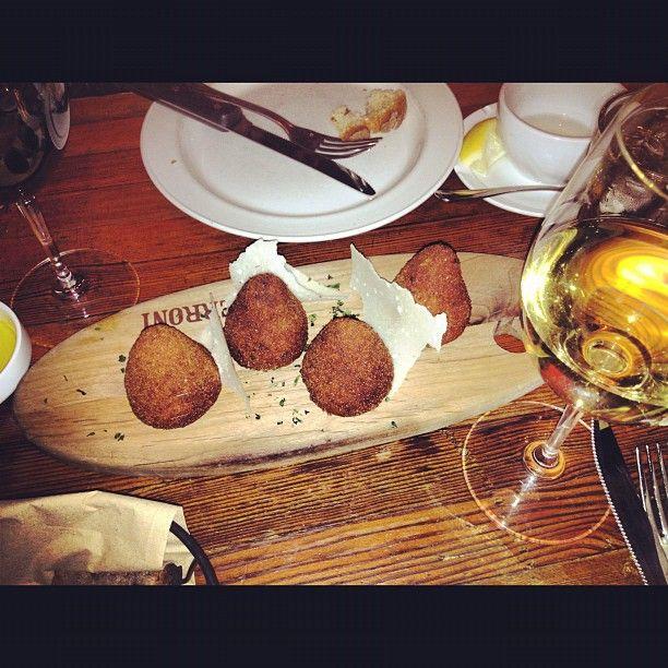 Sunday supper#arancini #bianchello #sundaysupper