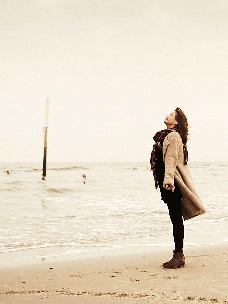 Nachdem bei ihr Multiple Sklerose diagnostiziert wird, entdeckt Autorin Ulrike Fach-Vierth die Heil- und Kraftquelle Achtsamkeit für sich.
