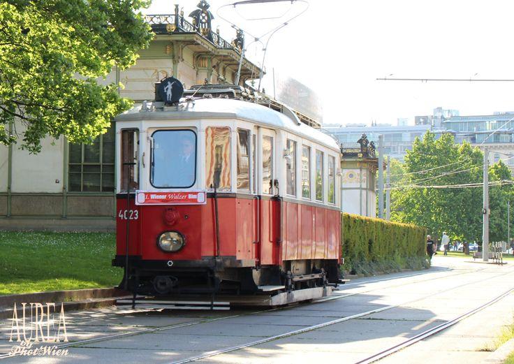 A Streetcar Named Vienna Waltz – Wiener Walzer Bim