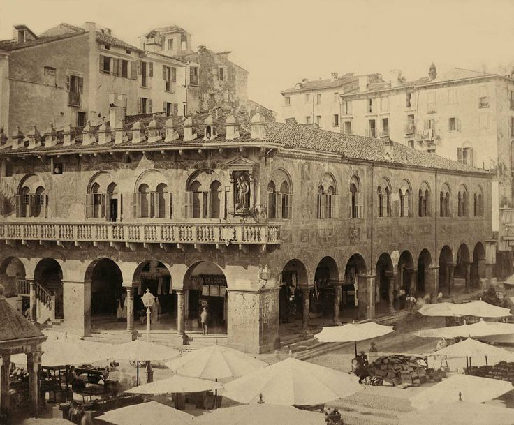 Domus Mercatorum (Piazza Erbe)