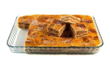 Plăcintă cu mere din belșug și aromată cu scorțișoară, așa cum o făcea bunica.   www.masafamiliei.ro