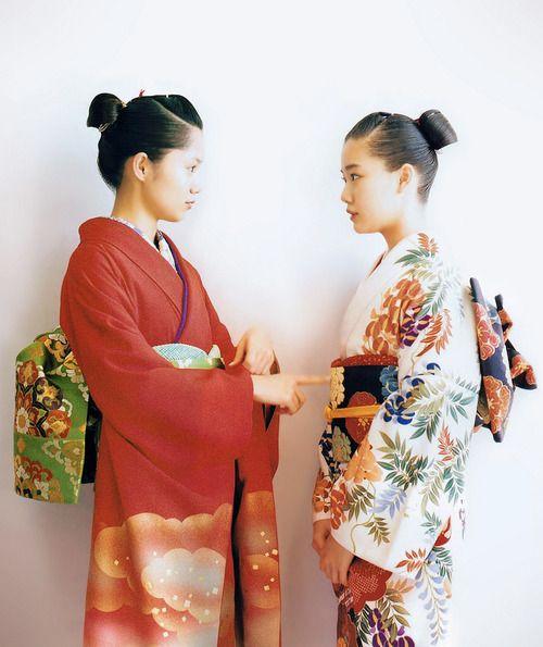 The Kimono Gallery :Aoi Miyazaki and Yu Aoi in kimono. 2013, Japan.