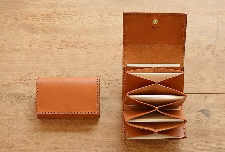 leather card holder                                                                                                                                                                                 もっと見る