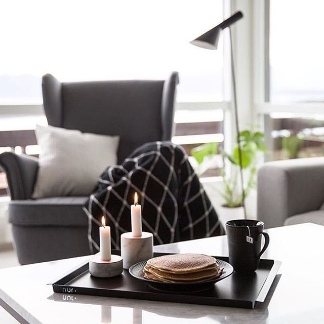 • THE GUIDE HOME •  We are obsessed with the minimalistic design of Nur Design Trays. Styling and photo by Linda Kipper.