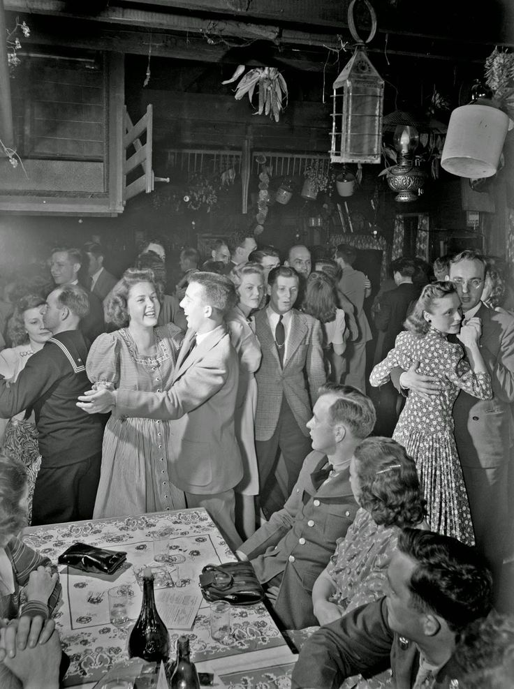 History in Photos: Dancing. Charles Fenno Jacobs: Southington, Connecticut. Dancing at the Old Mill, May 1942