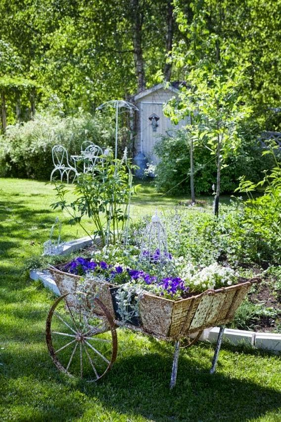 Beautiful and Charming old flower cart