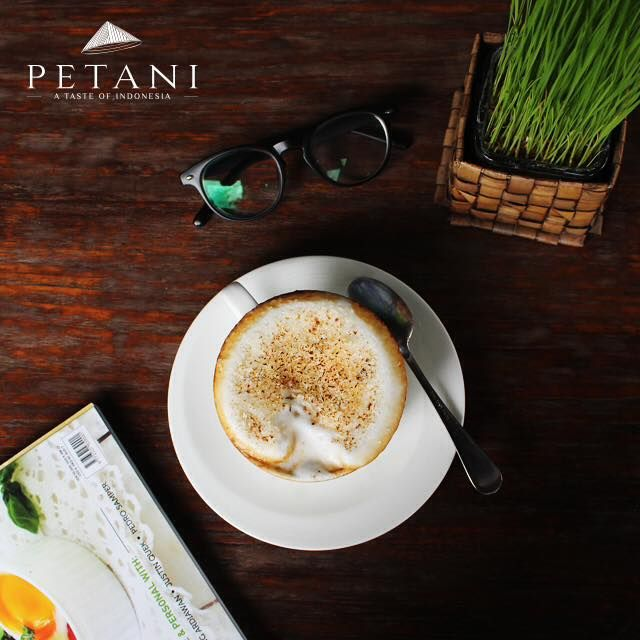 Great tasting coffee and a vibrant atmosphere is what you can expect when you drop by Petani Ubud...For the coffee connoisseur, we offer fresh drip coffee, slow brew, espresso, cappuccinos, flat whites, and lattes, using only a fine selection of beans.