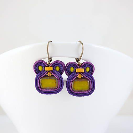 wandalkabeads / Šujtášové náušnice, fialové mini