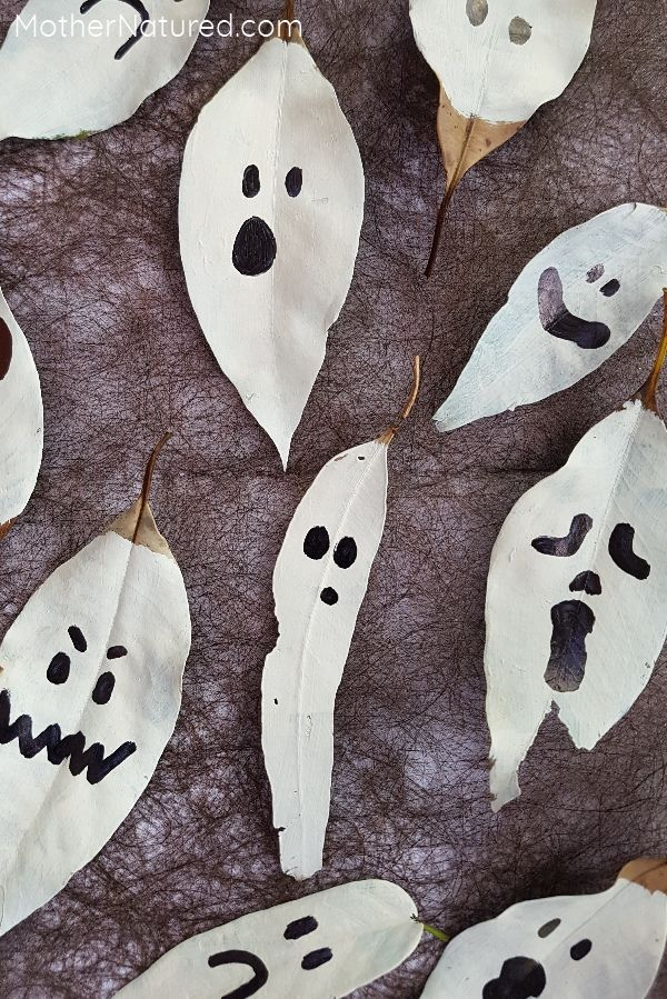 These leaf ghosts are going to look amazing hung up around your home on Halloween. Easy to make and you'll have most of the materials to make them too!