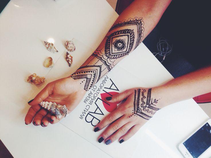 Mehendi art henna
