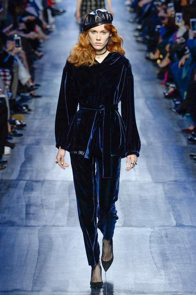 Collezione Dior Autunno-Inverno 2017-2018 - Completo in velluto blu Dior