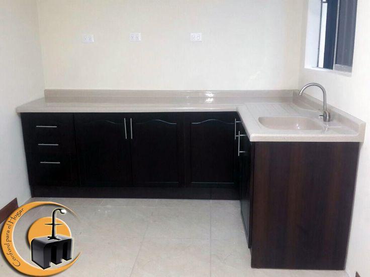 Mueble de Cocina Estructura melamina con las puertas con dibujo en MDF
