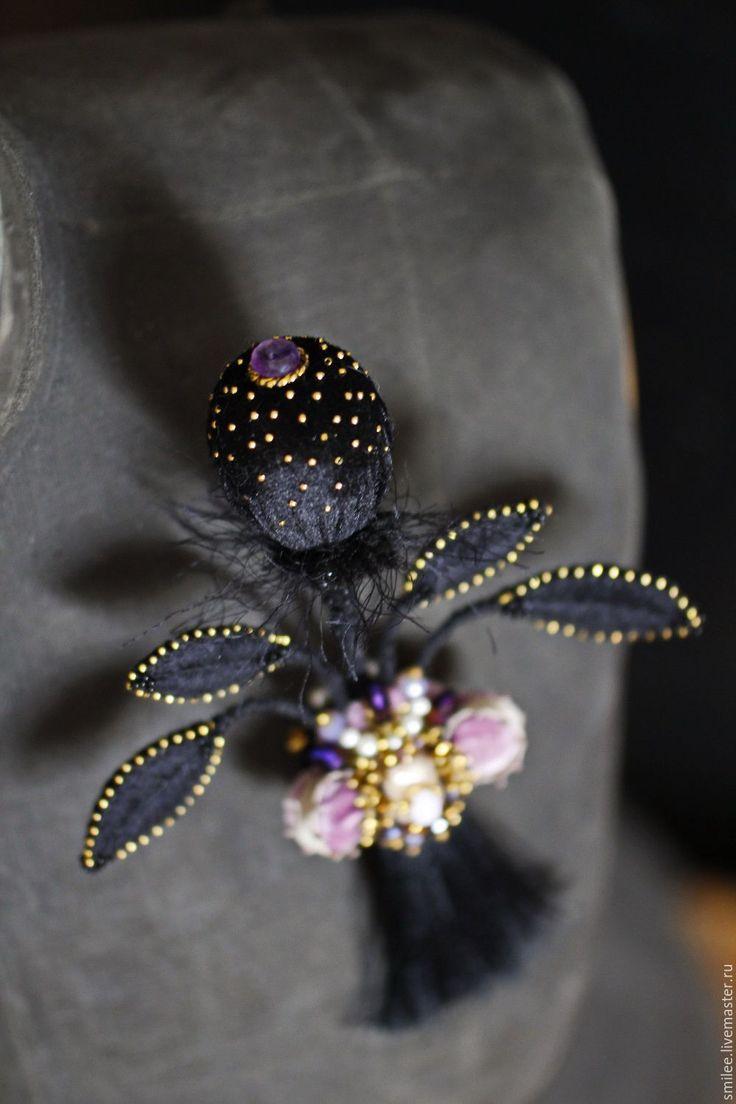 """Купить Вышитая брошь украшение """"Barringtonia asiatica NIGHT Impression №4 """" - черный"""