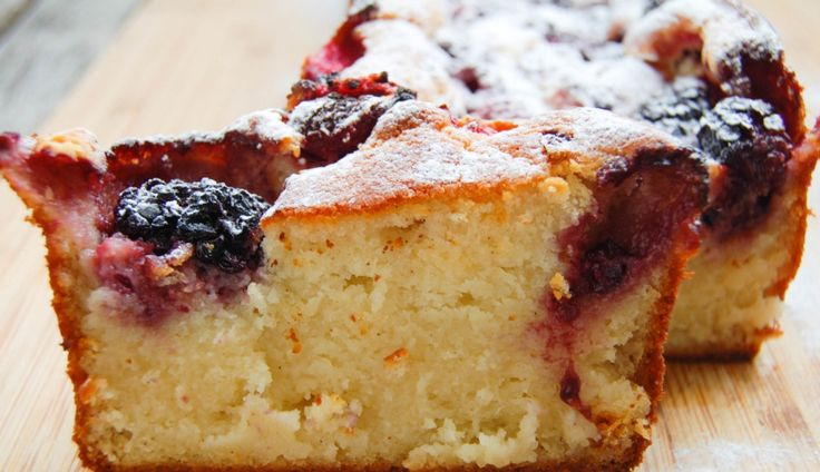 Culy Homemade: ricottacake met frambozen en bramen - Culy.nl