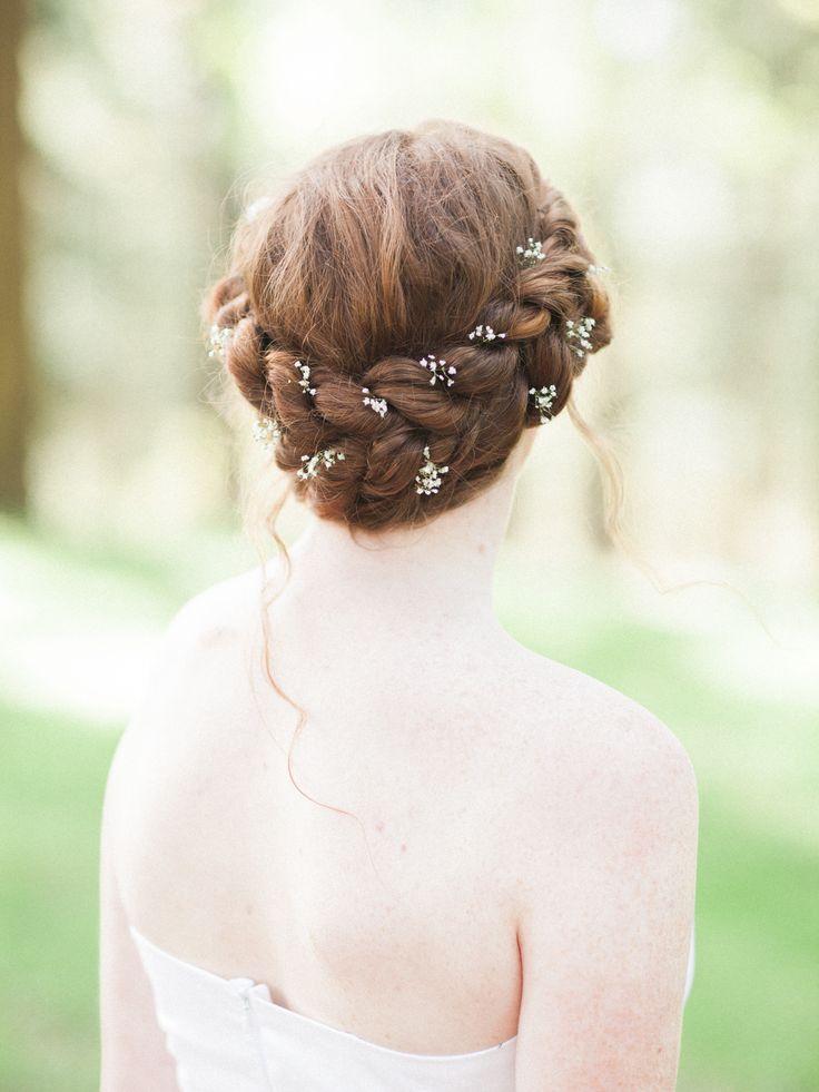 Photography: Andie Reavely - www.avisualanthology.com Read More: http://www.stylemepretty.com/2015/05/29/bohemian-portland-wedding-inspiration/