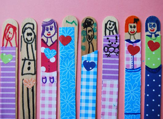 These are precious - Valentines stick dolls that would make an adorable Valentine.