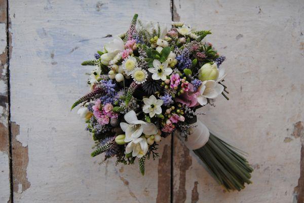 Ramo de novia bucólico de MAYULA FLORES #ramodenovia #bridalbouquet #tendenciasdebodas