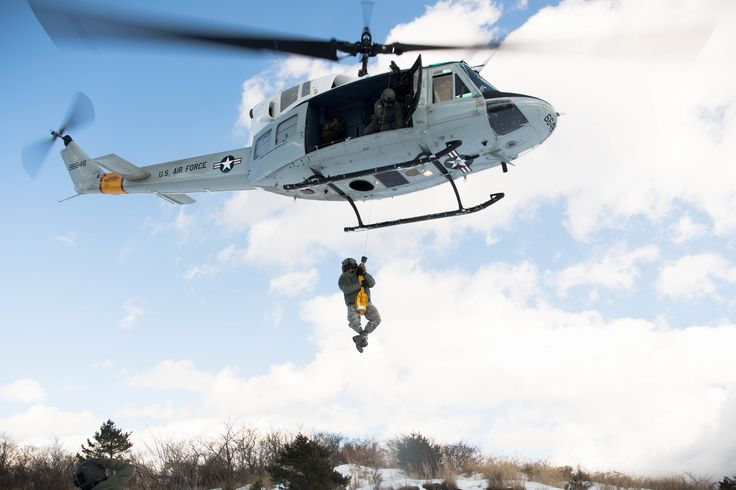 Globe Air Hoist : Images about military helicopters on pinterest mi