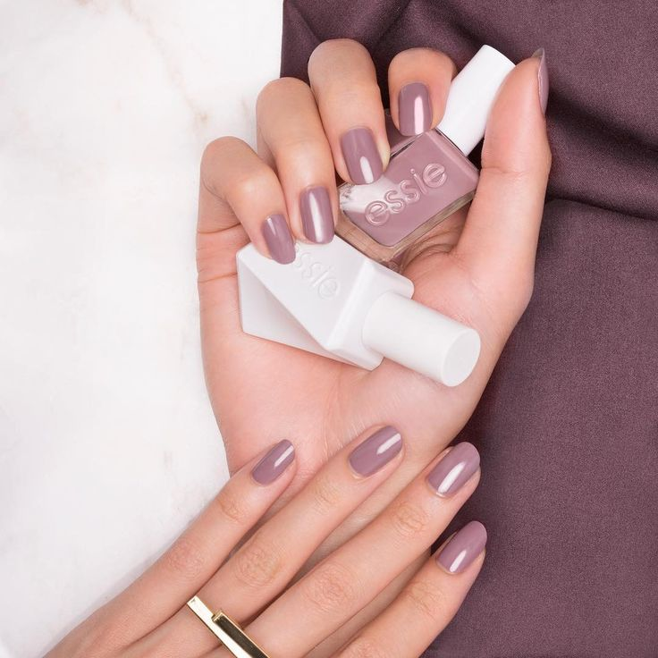 Wave. Flirt. Win. Your wish is his command in this masterful plush taupe 'take me to thread' from the new essie gel couture collection.