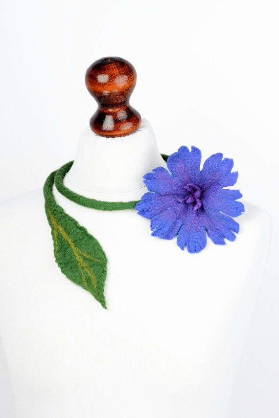 Ожерелье цветок - цветочные украшения с валяным васильком - синее ожерелье…