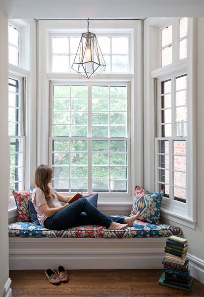 Window seat in bay window on second floor of a Federal row ...