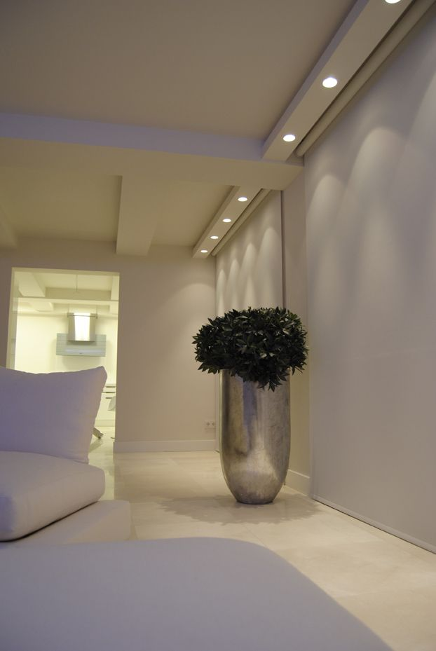 Illusion iluminaci n en vigas techo con focos empotrados lighting iluminaci n pinterest - Ideas iluminacion salon ...