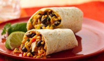 Meksika yemekleri denince akla ilk gelen tariflerden biri burrito. Meksika mutfağı bol baharatlı ve bol malzemeli yemekleriyle, bizim damak tadımıza da gayet uygun. Tavuklu ve Peynirli Burrito yapımı da çok kolay. Tarif meksika.yemekleri.tv'de !  #meksika #yemekleri #dünya #tarifleri #mutfağı #yemek #değişik #tarifler #burrito #tavuklu #farklı #pratik