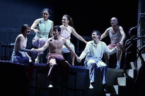 """Opéra de Bordeaux - """"Le Journal de Nijinski"""", opéra - 23 janvier 2015 - A partir de la gauche, la danseuse française Marie-Laure Agrapart, l'actrice allemande Lara Sophi..."""