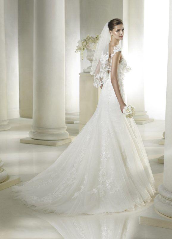 Sachi esküvői ruha